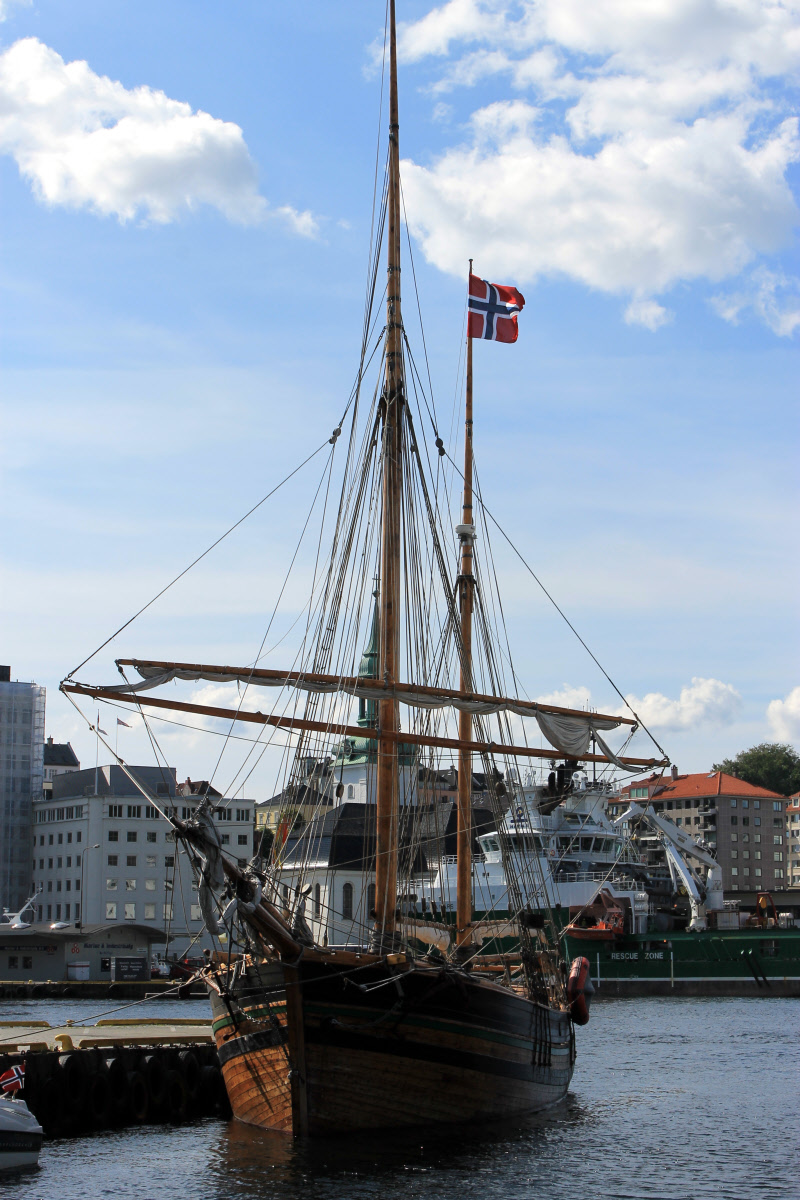 The tradition of Norway and the importance of the oceans come to a head as you travel the port towns and witness the living world that is still unfolding.