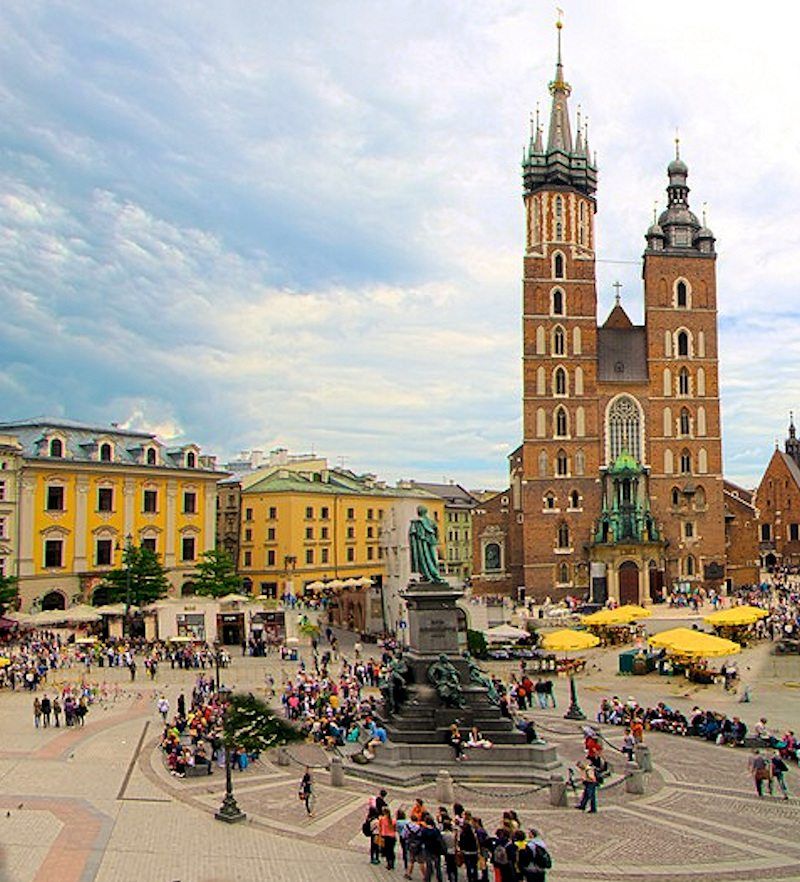 Poland is a safe destination that we don't often think of as a choice for a vacation. Time to think twice and try new things!