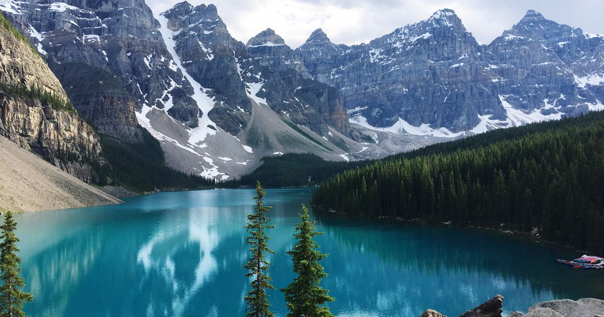 Best things to see and do in Canada's breathtaking Alberta #jasper...