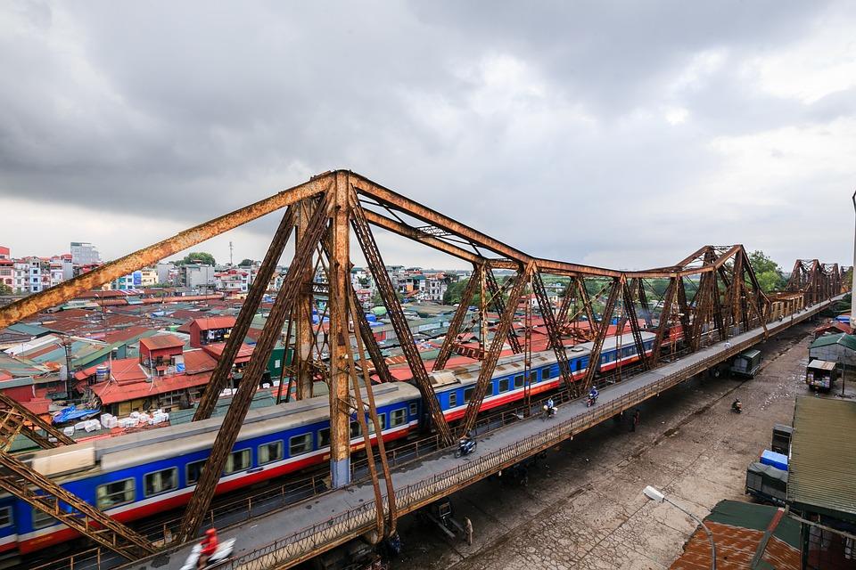 long bien bridge, hanoi, vietnam